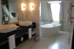 Schweizerhof Hotel - 07